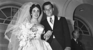 Il primo abito da sposa di Liz Taylor all'asta